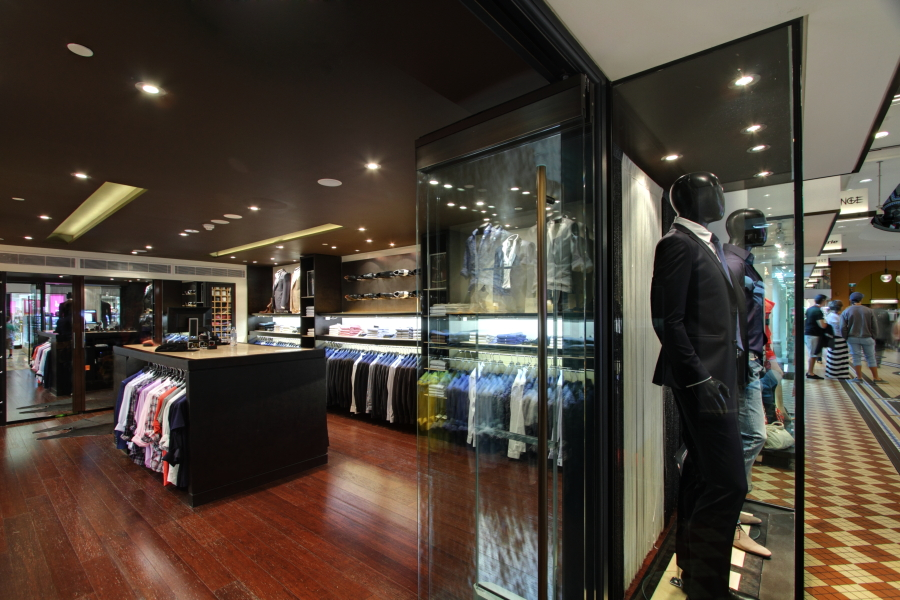 Varqa boutique, Sydney. Designed and built by Construction by Design, photographed by Huw Lambert.